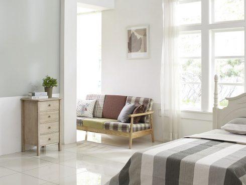 Bukó-nyíló ablak a nappaliba